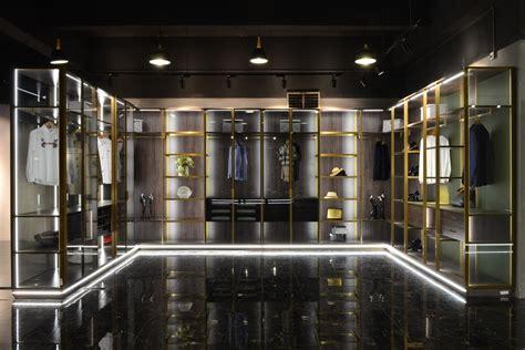 China Luxury Aluminum Walk-in Closet/Wardrobe with LED