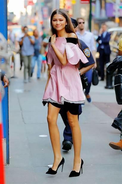 Zendaya Outfits Coleman Looks Zendayas Dresses 7wallpapers