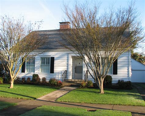 1941 Cape Cod Colonial Style House This tidy home in the