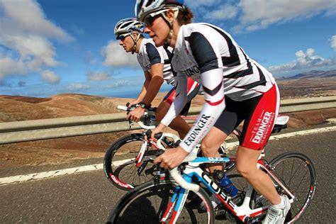 triathlon training  werden sie zum triathleten fit