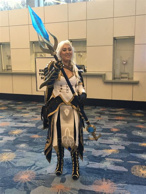 BlizzCon 2018: Cosplay around the convention floor ...