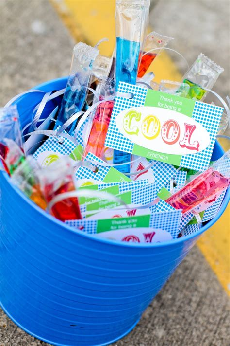 fun gifts for students during student teaching 53 best images about last day of school welcome to summer on sundae bar