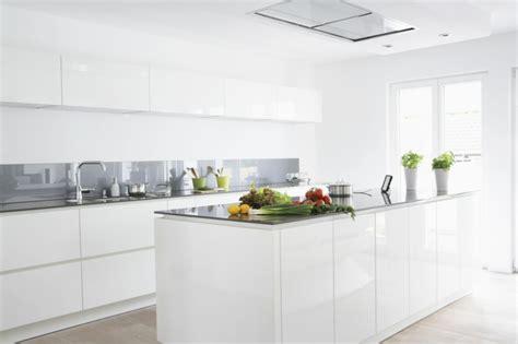 cuisine laquee blanche modèle cuisine blanche en 50 idées inspirantes