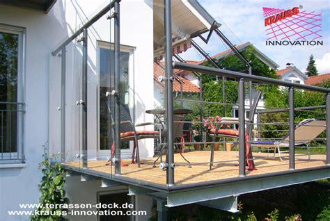terrassen deck auf wohnebene mit zugang zum garten direkt