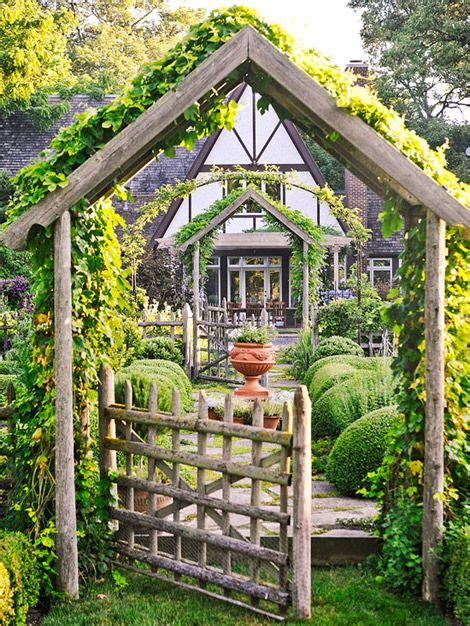 Gorgeous Garden Historic Home by Gorgeous Garden At A Historic Home The Earth Laughs In