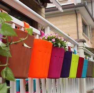 Pot A Accrocher : build a deck railing planter box the homy design ~ Teatrodelosmanantiales.com Idées de Décoration