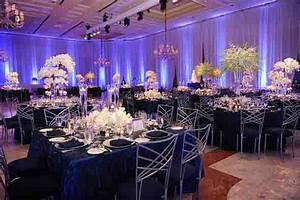 Decoration Salle Mariage Pas Cher : un mariage en bleu marine lovely day ~ Teatrodelosmanantiales.com Idées de Décoration
