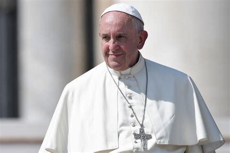 siege du pape le pape se rendra à milan et à gênes en 2017 la croix