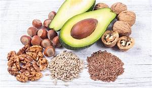 Omega 3 Fettsäuren Lebensmittel : quellen von omega 3 fetts uren enthalten im lebensmittel stockfoto bild von omega fetthaltig ~ Frokenaadalensverden.com Haus und Dekorationen