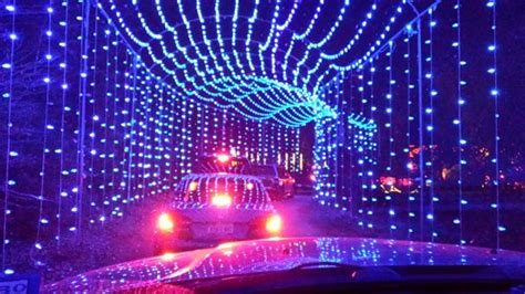 light tunnel picture of santa s