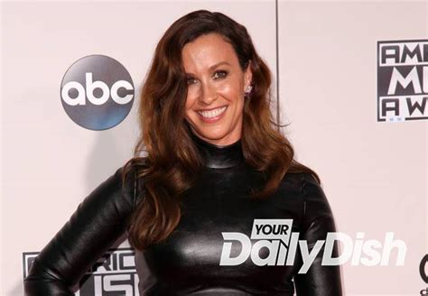 Alanis Morissette Shows Off Her Pregnancy in All Its Glory ...
