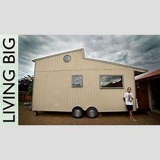 Amazing Diy Offgrid Modern Tiny House Youtube