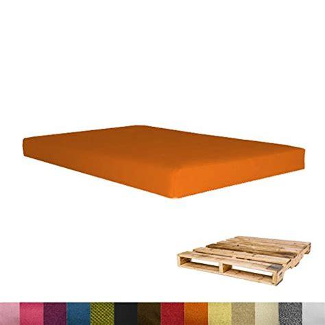 coussin pour canapé de jardin coussin pour salon de jardin en palette