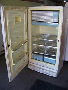 Vintage GE Refrigerator with Lazy Susan