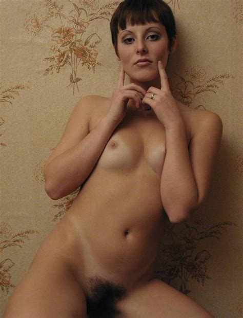 Lovely Short Hair Milf Shows Her Hairy Pussy Russian