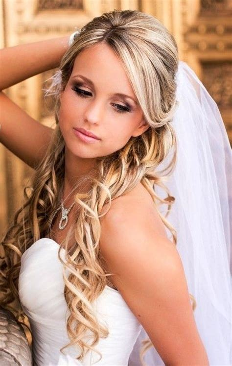 Half Up Wedding Hairstyles With Tiara by Wedding Hairstyles Half Up With Veil And Tiara Hair