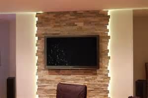 steinwand wohnzimmer kamin die besten 17 ideen zu steinwand wohnzimmer auf falsche felswänden steinwand und