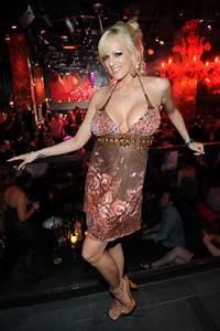 Vegas Happenings 01