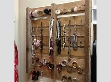Pallet Jewelry Display Projects That Anyone Can Do It