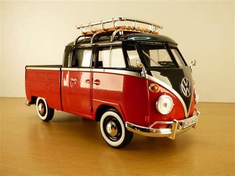 Volkswagen Combi T1 Type 2 Pick Up Rouge & Noir 1/24 Vw