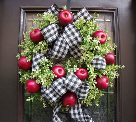 williamsburg wreath fall wreaths boxwood wreaths