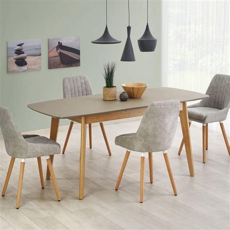 table scandinave bois  gris mat pour une salle  manger