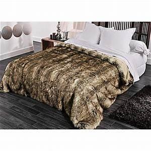 Couverture Fausse Fourrure : couvre lit fausse fourrure ~ Teatrodelosmanantiales.com Idées de Décoration