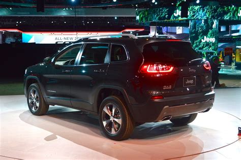 2019 Jeep Cherokee Wears A More Familiar Face