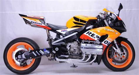 Cbr1000rr And Honda Goldwing by Honda Cbr1000rr Repsol Honda Kawin Silang Gold Wing