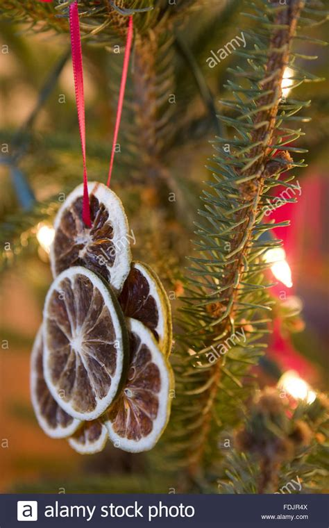 traditional victorian christmas decorations