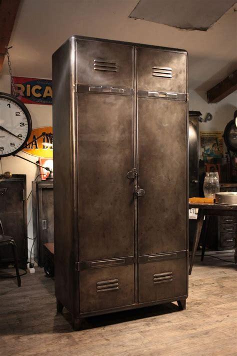 mobilier bureau industriel 1000 idées sur le thème armoire métallique sur