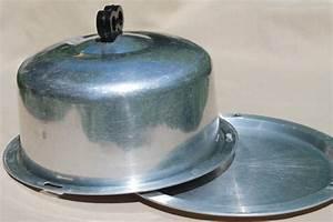 retro vintage Regal aluminum cake carrier, locking lid