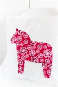 Kissen Nähen Ideen : kissen mit dalarna pferd n hen handmade kultur ~ Markanthonyermac.com Haus und Dekorationen