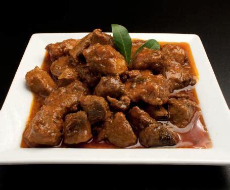 cucinare il cinghiale ricette come cucinare il cinghiale in umido la ricetta tradizionale