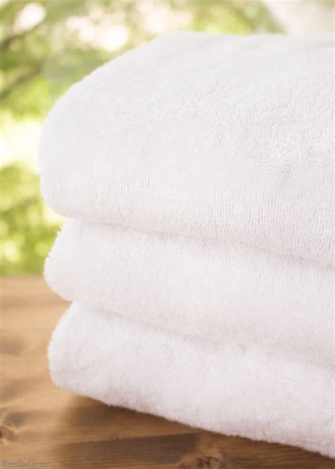 how to wash towels how to naturally clean smelly towels the fool proof guide bren did