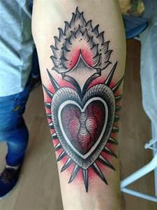 Image Gallery old school heart tattoos