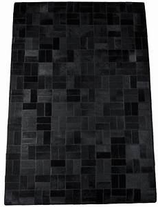 Teppich Schwarz Gold : kuhfellteppich l ufer schwarz 140 x 180 cm ~ Whattoseeinmadrid.com Haus und Dekorationen