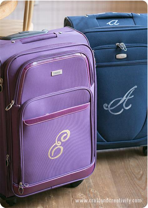 monogram pa resvaeskor monogrammed luggage craft creativity pyssel diy