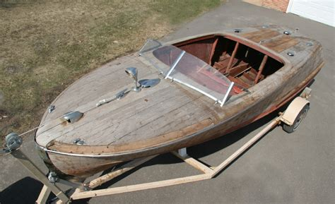 Wooden Boat Project by 1946 20 Chris Craft Custom Runabout