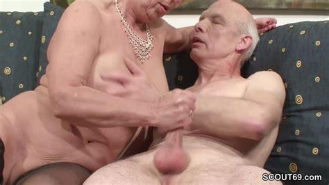 Oma Und Opa Ficken Das Erste Mal Im Porno Fuer Die Rente On Gotporn 6693489