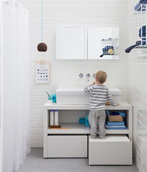 Kleine Badezimmer Unterschränke by Bequeme L 246 Sung F 252 R Kleine Kinder Im Bad Bathroom