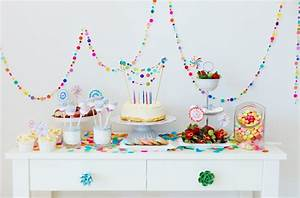 Deko Für Kindergeburtstag : fingerfood f r kindergeburtstag leckere rezepte und lustige deko ideen ~ Frokenaadalensverden.com Haus und Dekorationen