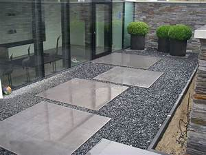 Beton lisse pas japonais a junglinster lux sobemo for Exceptional decoration terrasse de jardin 16 deco salon esthetique