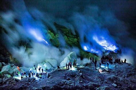 wisata blue fire kawah ijen banyuwangi info bromo travel