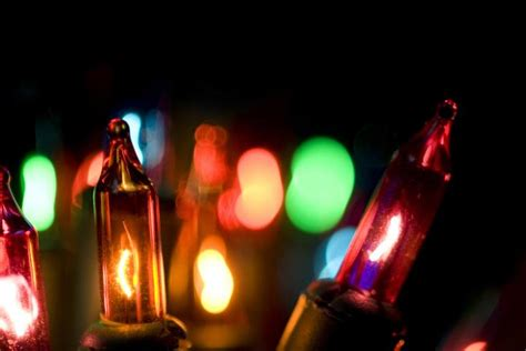 led holiday lights vs incandescent holiday lights time