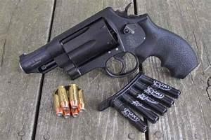Review: Smith & Wesson Governor