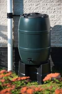 Robinet Pour Récupérateur D Eau : r cup rateur d 39 eau tonneau 120l ou 210l jardinet ~ Dailycaller-alerts.com Idées de Décoration
