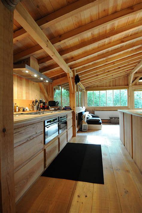 maison tout en bois les 25 meilleures id 233 es concernant design int 233 rieur de caf 233 sur style de caf 233