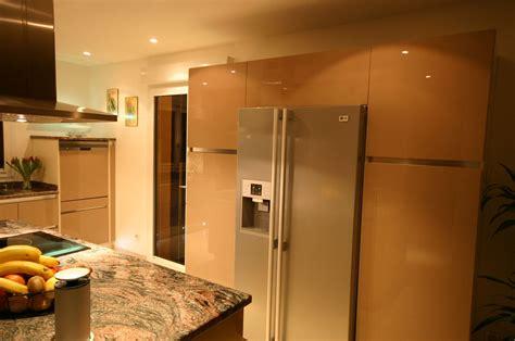 cuisine intégré cuisine avec frigo americain integre am nagement de