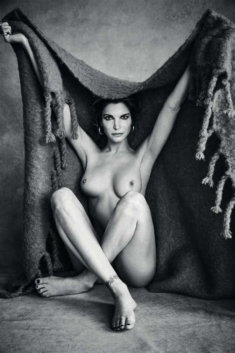 Stephanie Seymour Nude And Sexy 3 Photos Thefappening